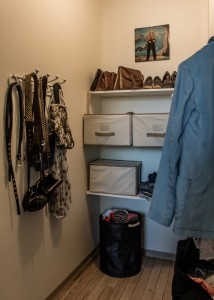 Apartments have walk-in closets